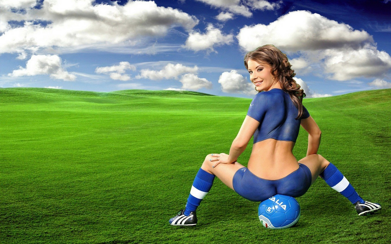 seksualnie-devushki-futbolistov