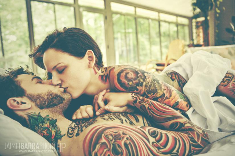 Любовь к женщине тату