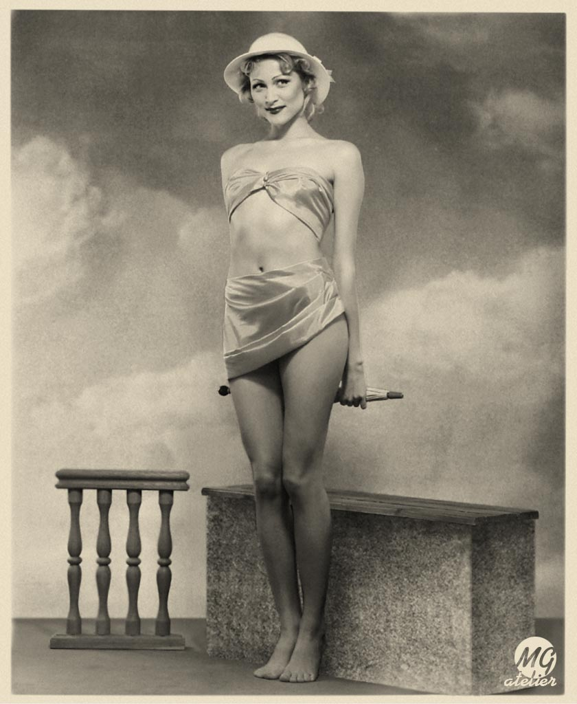 Lynn Collins naked