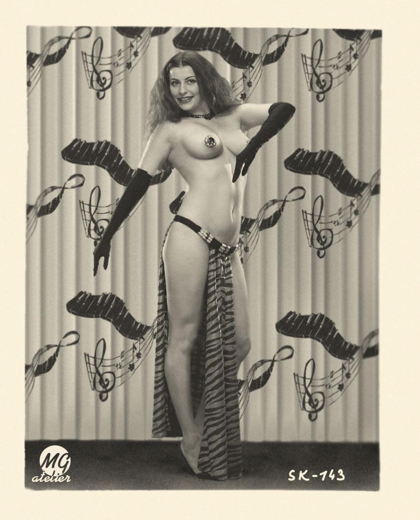 модерн эротика фото-фж2