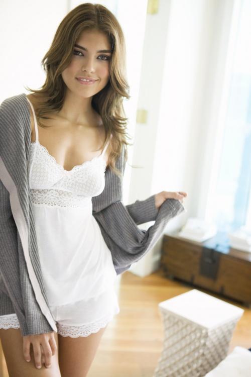 Мексиканская модель Pamela Burgos – Eberjey Spring/Summer 2010 Lingerie Campaign (18 фото)