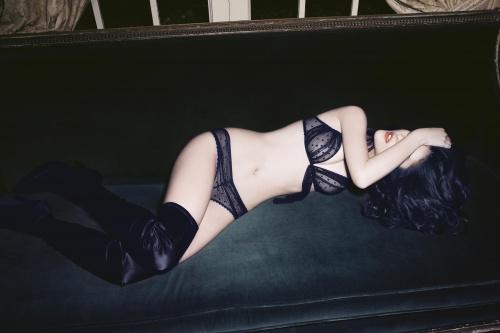Македонская модель Katarina Ivanovska - Andres Sarda lingerie, Fall/Winter 2009 (16 фото) (эротика)