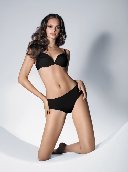 Бразильская модель Lisalla Montenegro - Wolford Spring/Summer, 2010 Lingerie Photoshoot (73 фото) (эротика)