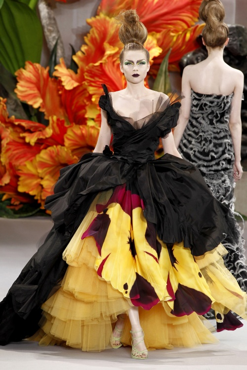 Коллекция вечерних платьев (500 фото)
