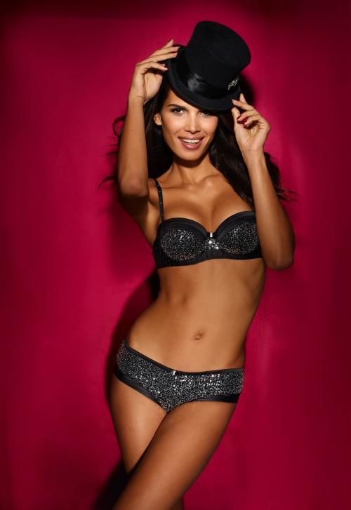 Бразильская модель Raica Oliveira - Ultimo Autumn-Winter 2010 Lingerie Campaign (18 фото)