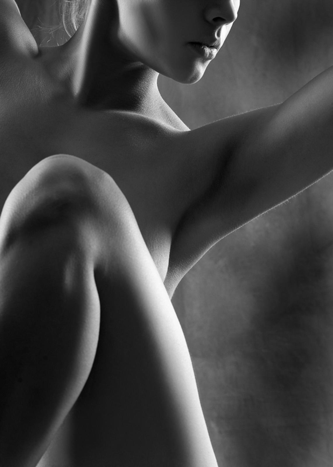 Фото эротика черно-белые