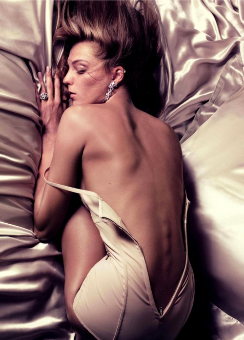 Vogue Paris calendar 2011 (13 фото) (эротика)