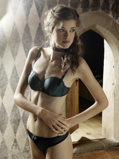 Julia Sanar - Beldona lingerie Xmas 2010, Ad Campaign (8 фото) (эротика)