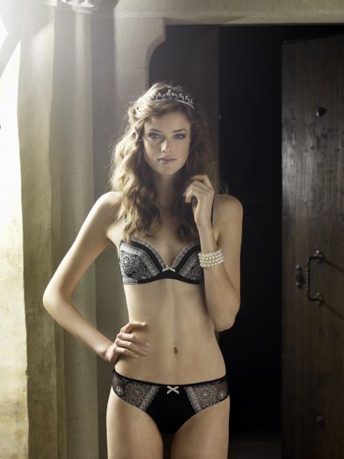 Julia Sanar - Beldona lingerie Xmas 2010, Ad Campaign (8 фото)