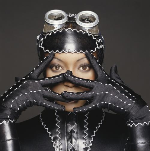 Naomi Campbell - Terry O'Neill Photoshoot, 1993 (5 фото)