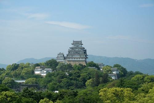 http://cp12.nevsepic.com.ua/79-2/thumbs/1355609374-800px-himeji_castle_may09_08.jpg