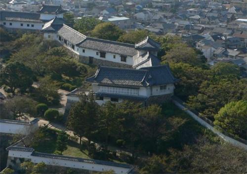 http://cp12.nevsepic.com.ua/79-2/thumbs/1355609376-himejijo_keshoyagura.jpg