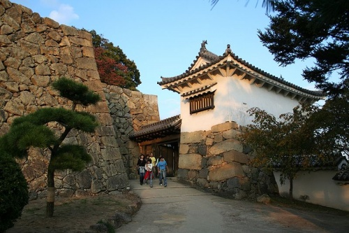 http://cp12.nevsepic.com.ua/79-2/thumbs/1355609380-800px-himeji_castle_no09_170.jpg