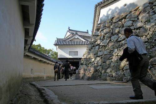 http://cp12.nevsepic.com.ua/79-2/thumbs/1355609381-800px-himeji_castle_no09_063.jpg