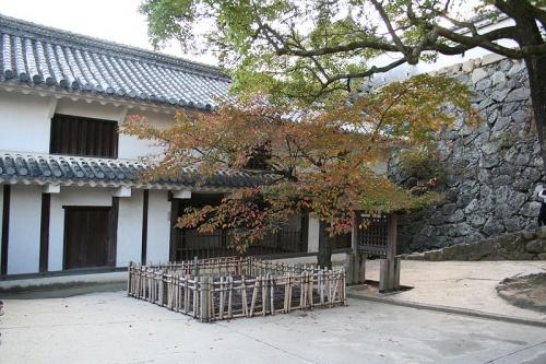 http://cp12.nevsepic.com.ua/79-2/thumbs/1355609386-800px-himeji_castle_no09_169.jpg