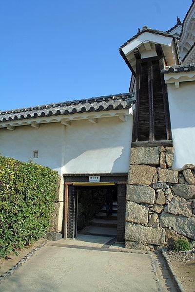 http://cp12.nevsepic.com.ua/79-2/thumbs/1355609387-400px-himeji_castle_no09_070.jpg