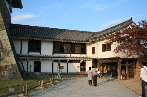 http://cp12.nevsepic.com.ua/79-2/thumbs/1355609390-800px-himeji_castle_no09_163.jpg