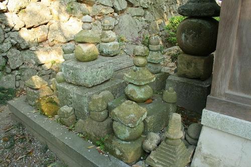 http://cp12.nevsepic.com.ua/79-2/thumbs/1355609395-800px-himeji_castle_april_31.jpg