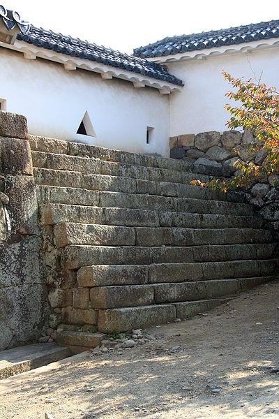http://cp12.nevsepic.com.ua/79-2/thumbs/1355609396-400px-himeji_castle_no09_015.jpg