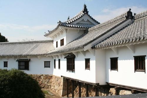 http://cp12.nevsepic.com.ua/79-2/thumbs/1355609401-800px-himeji_castle_no09_042.jpg