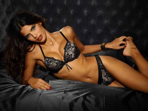 Бразильская модель Raica Oliveira - Ultimo Lingerie Photoshoot 2011 (18 фото) (эротика)