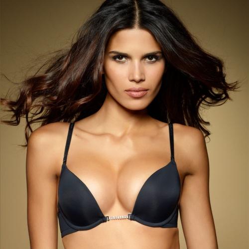 Бразильская модель Raica Oliveira - Ultimo Lingerie Photoshoot 2011 (18 фото)