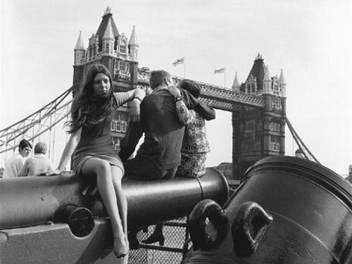 Мода 60-х и 70-х годов. Мини-юбка (Miniskirts) (294 фото)