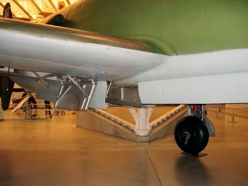 Немецкий истребитель Do-335A Pfeil (35 фото)