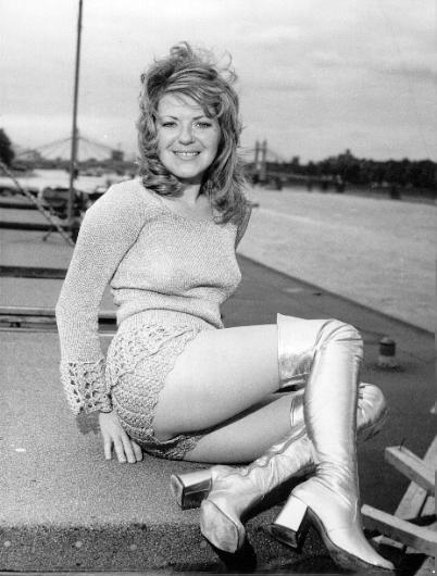 Мода 60-х и 70-х годов. Шорты (Hot-Pants) (129 фото)