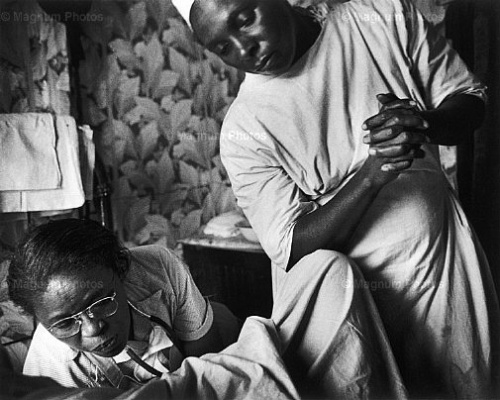 w eugene smith photo essay life W eugene smith: master of the photo essay while on the staff of life magazine, smith produced the classic photographic essays country doctor.
