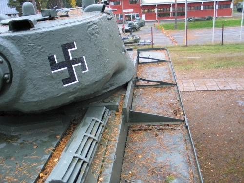 Советский тяжёлый танк КВ-1 образца 1942 г. (40 фото)