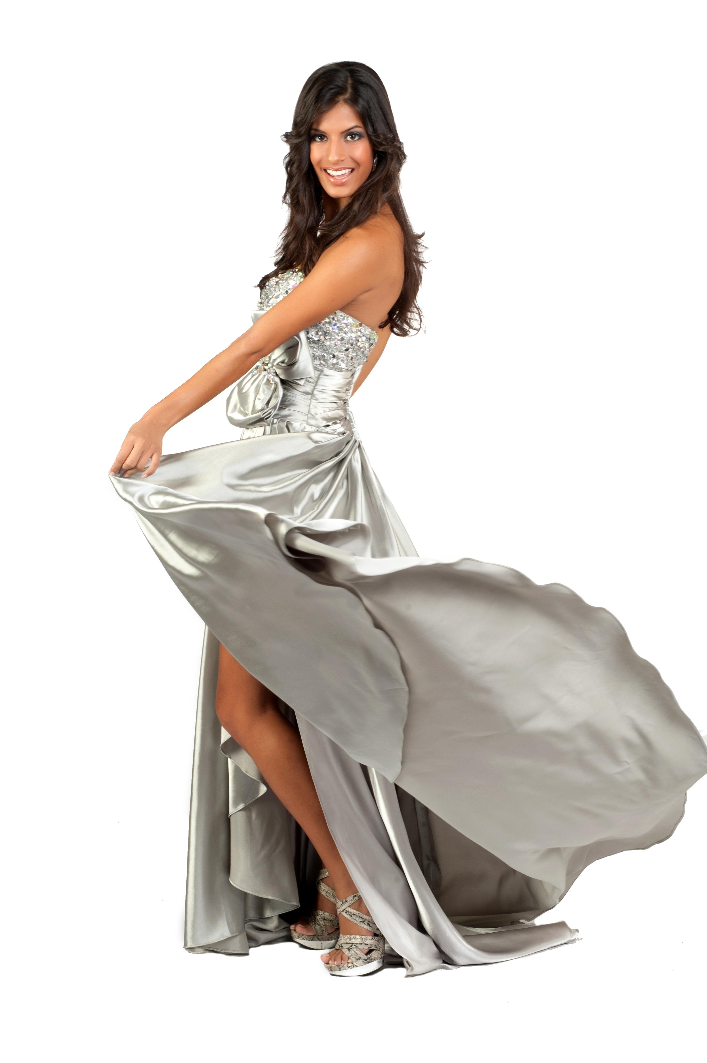 Эротика с моделями в шикарных вечерних платьях 4 фотография