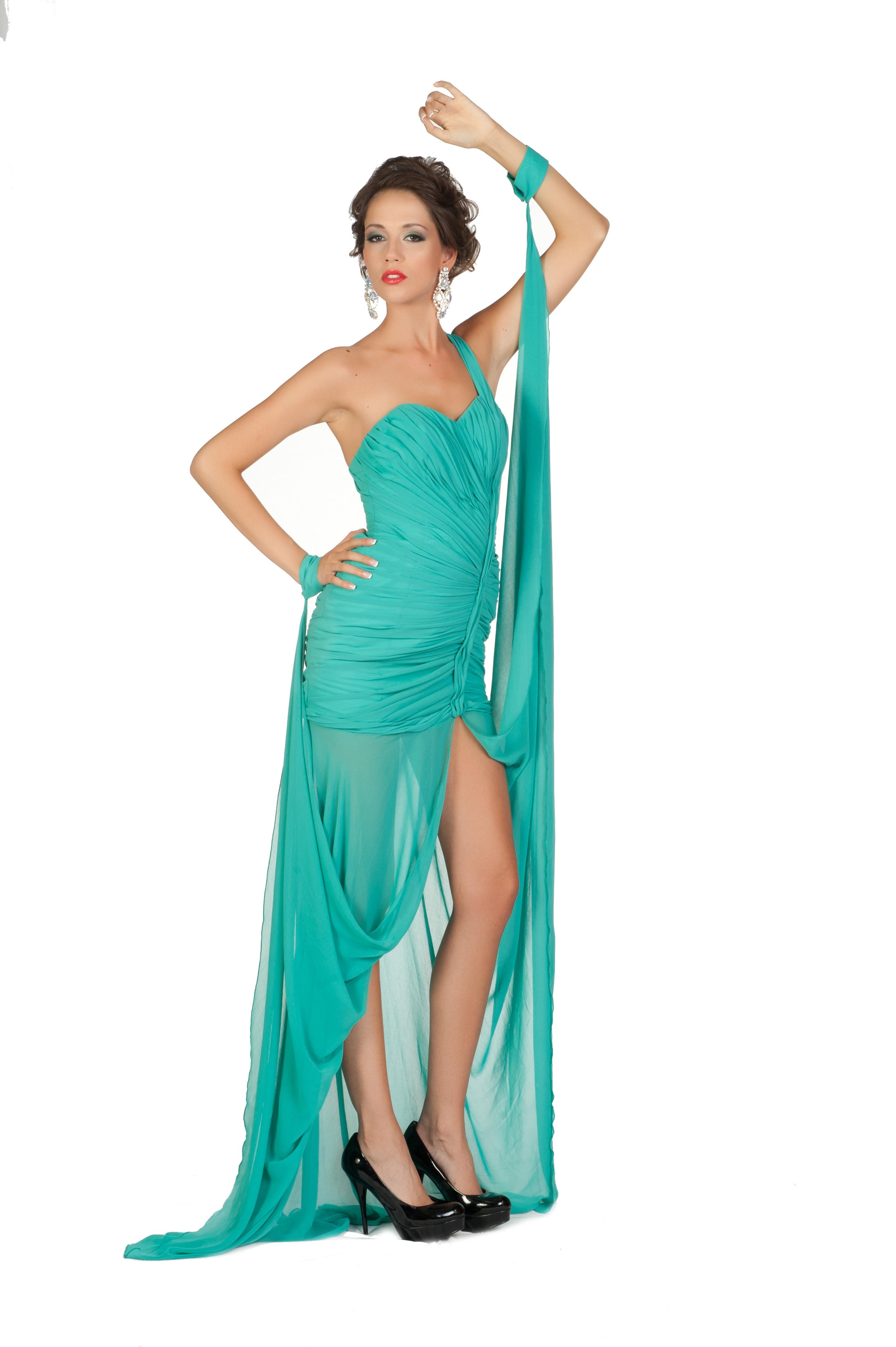 Эротика с моделями в шикарных вечерних платьях 3 фотография