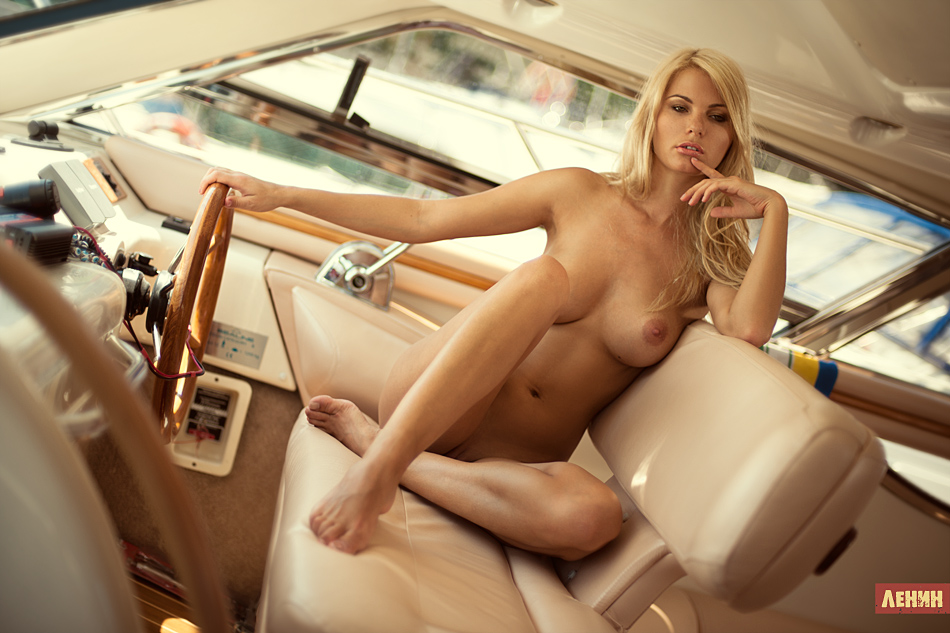 pictures of naked girls and hot rods