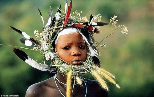 Племенное декорирование в Африке. Hans W. Silvester. (55 фото)