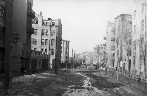 Трофейные немецкие снимки оккупированного Харькова 1941-1943 (132 фото)