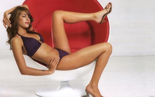 Karima Adebibe (34 фото)