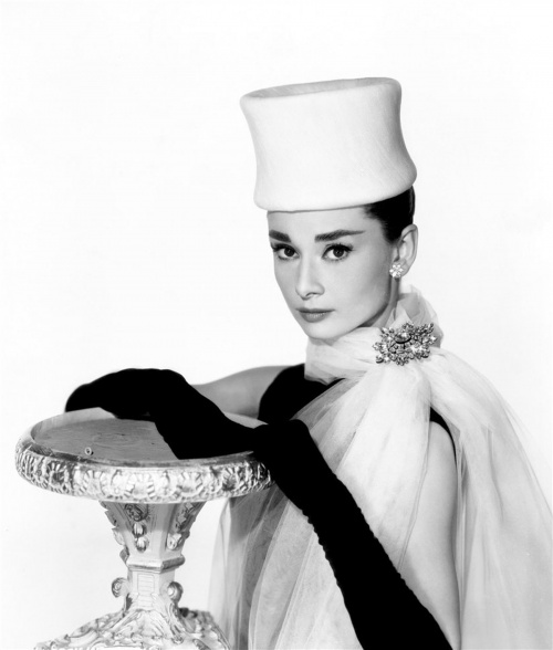 Audrey Hepburn's hat fashion (15 фото)