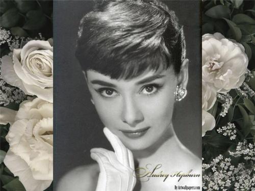 Audrey Hepburn's hat fashion (15 фото)