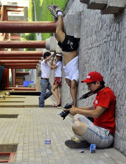93 Excellent Examples of Forced Perspective Photography (94 фото)