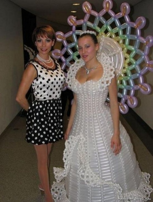 Уникальные свадебные платья (27 фото)