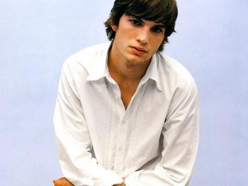 Ashton Kutcher- Фотосессия для журнала GQ (2003) (10 фото)
