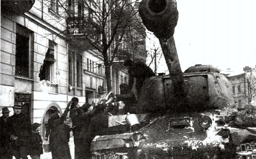 Советский тяжёлый танк ИС-2 (51 фото)