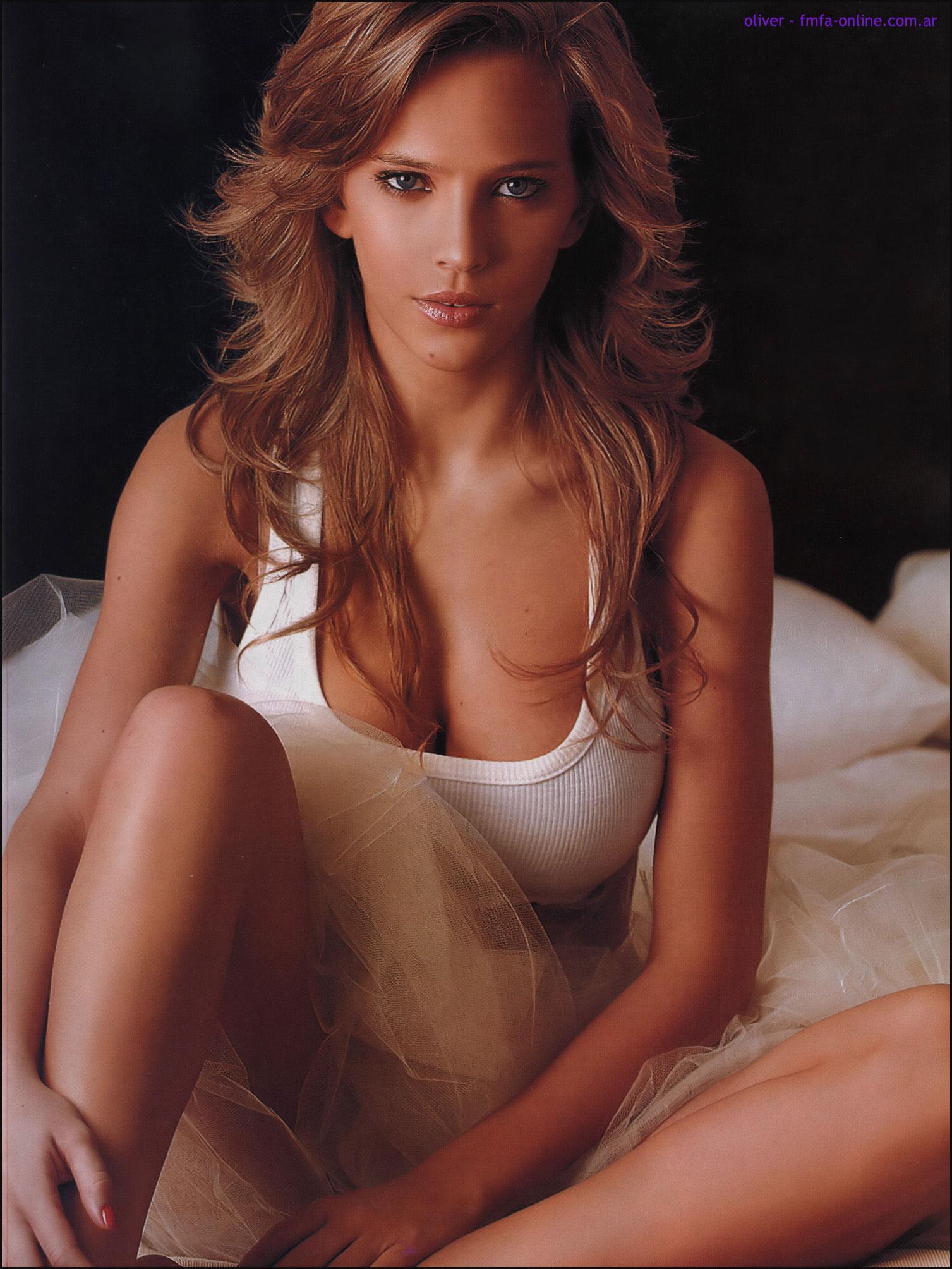 eroticheskie-foto-luiziani-lopilato