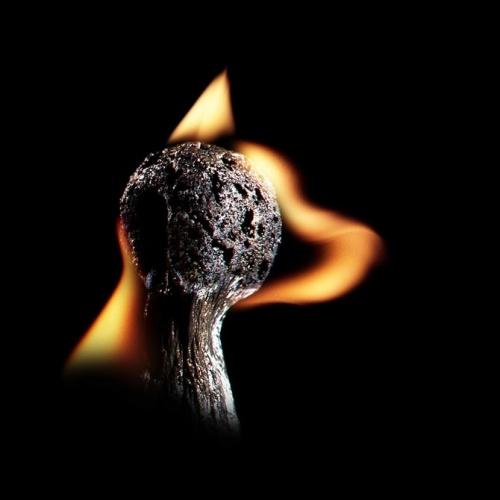 ПолТергейст - горящих спичек (24 фото)